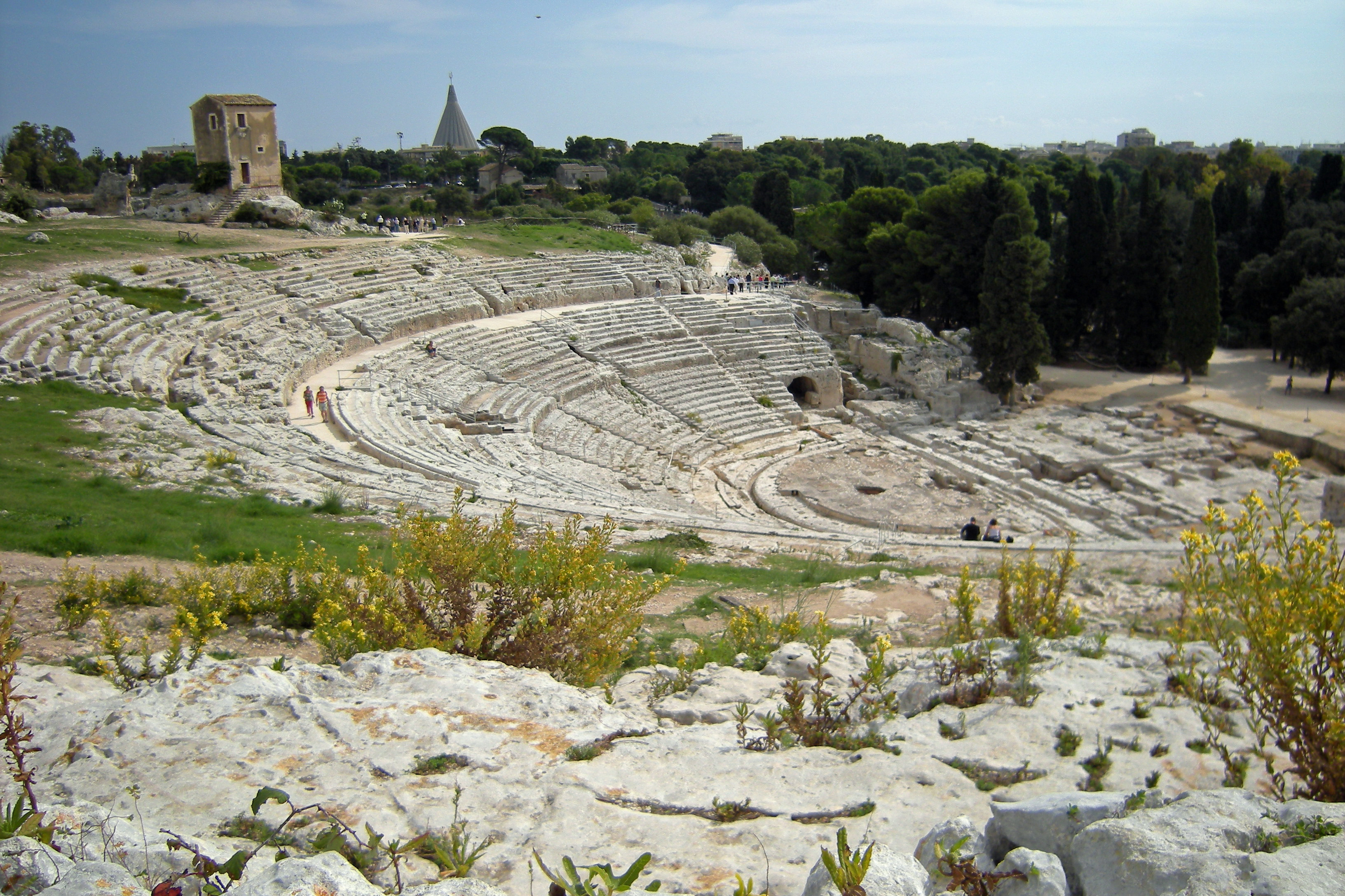 area archeologica a siracusa teatro greco typical sicily
